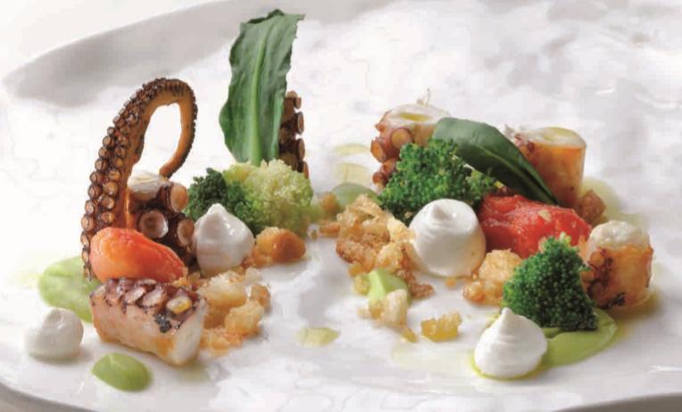 Polpo arrostito con broccoli, burrata, pomodorini e pane fritto